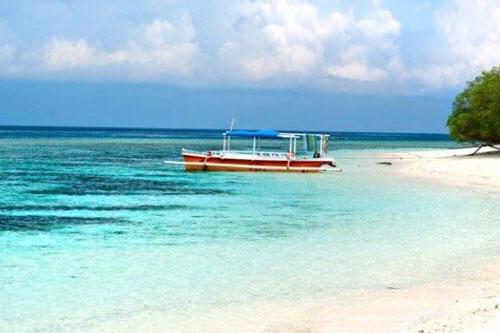"Bali Moyo Island Komodo Phinisi Cruise ""Explore Komodo National Park""-01"