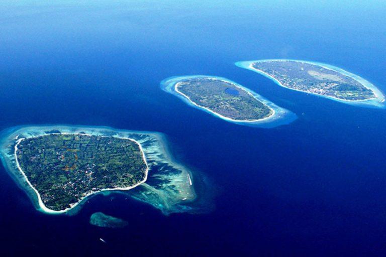 "Bali Moyo Island Komodo Phinisi Cruise ""Explore Komodo National Park""-02"