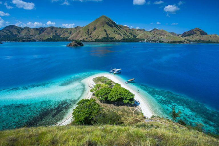 "Bali Moyo Island Komodo Phinisi Cruise ""Explore Komodo National Park""-03"