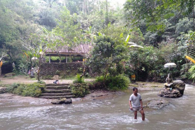 Tampak Siring Village & Gunung Kawi Trek – 3 Hours-03
