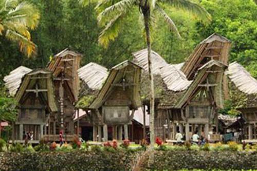 Discover Bugis Tribe and Toraja Land – 5 Days-01