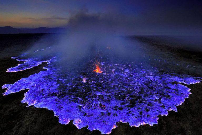 Ijen Crater Blue Fire-01