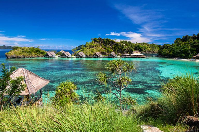 "Raja Ampat Islands Phinisi Cruise "" Snorkeling & Village Tour – 6 Days-02"