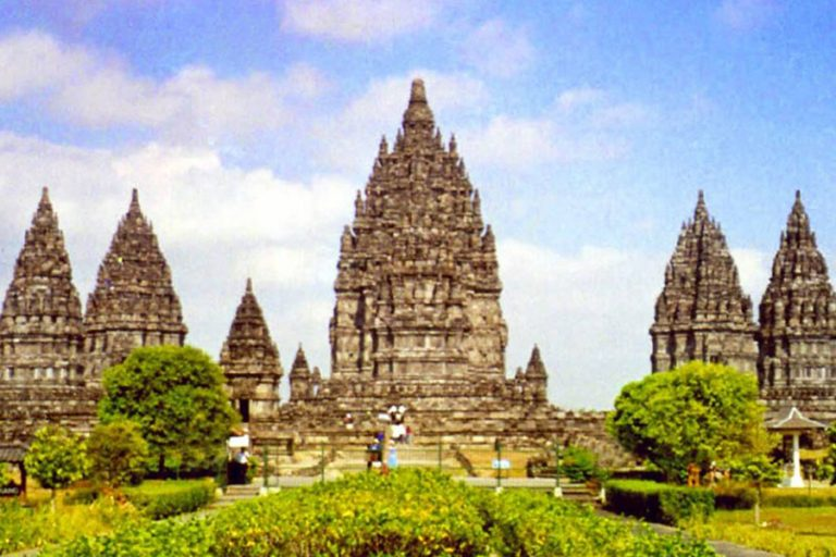 Yogyakarta Heart of Java – 5 Days-04