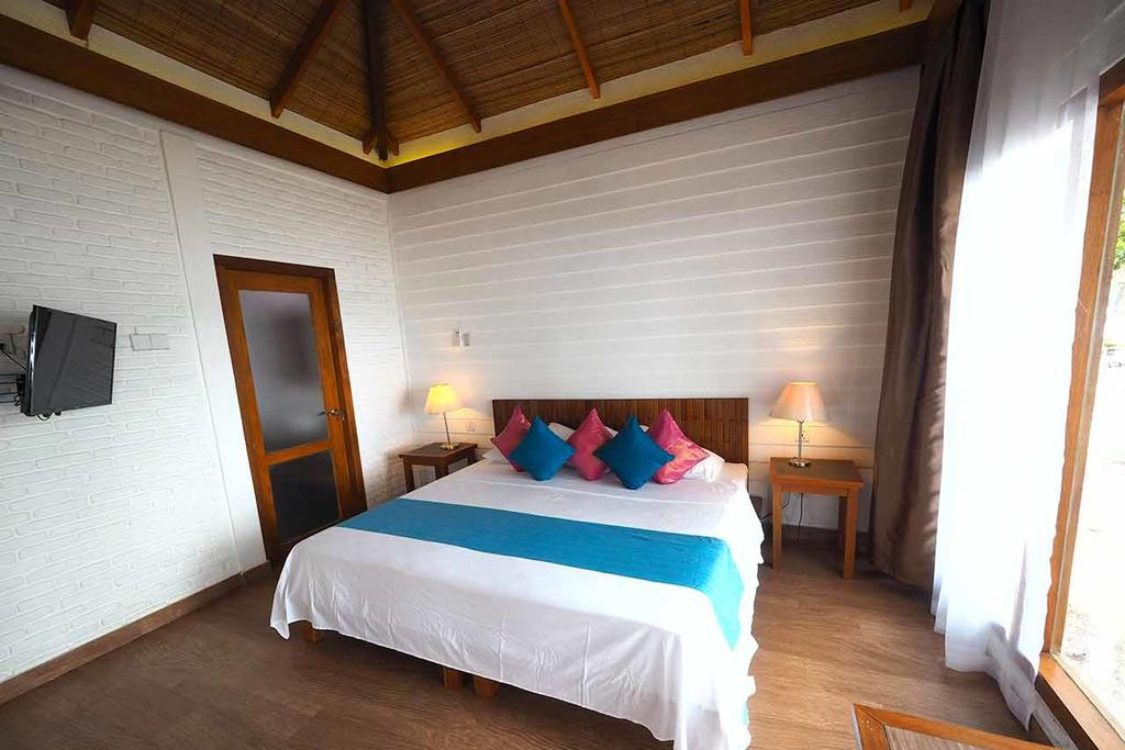 white-sand-beach-bedroom