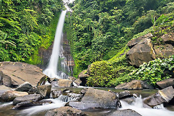 Bali Dolphin Sunrise Tour with Waterfalls & Temples-03