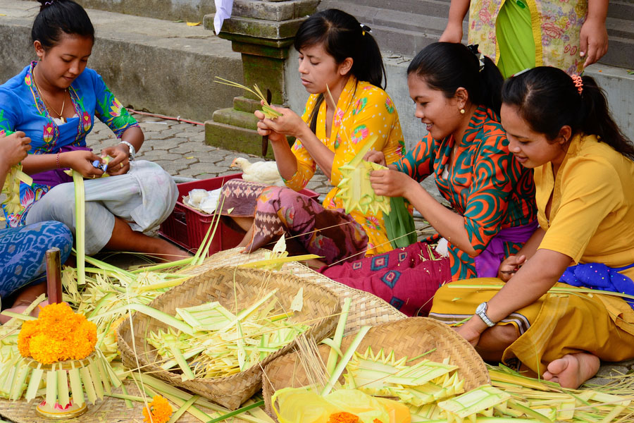Balinese Offering Tour-02