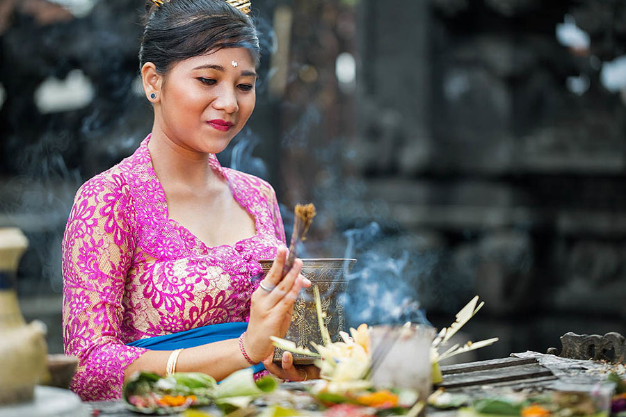 Balinese Offering Tour-03