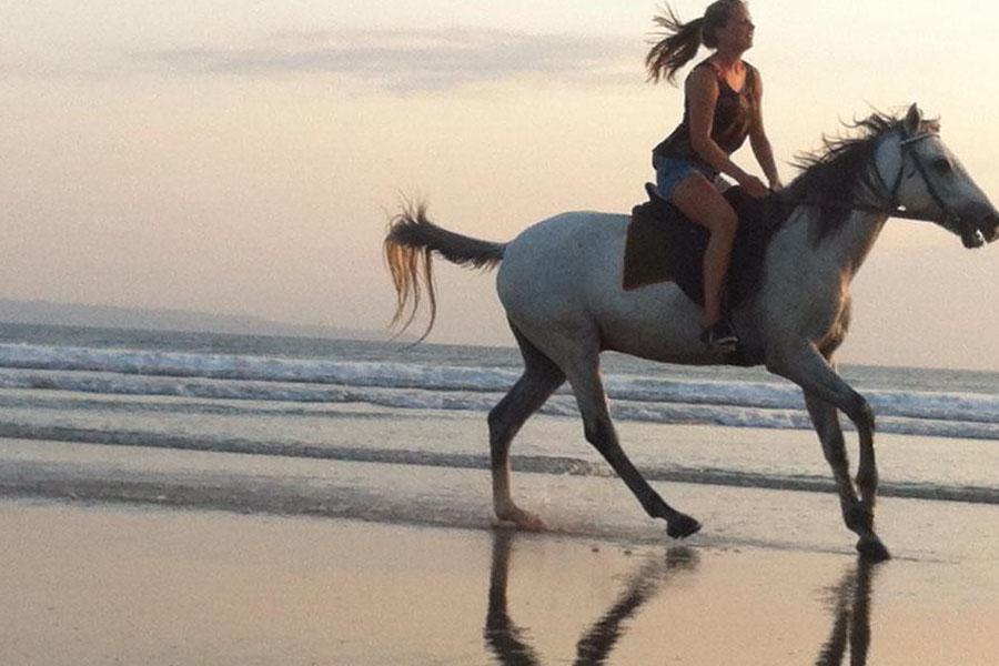 Horse Ride on Seminyak Beach Bali-03