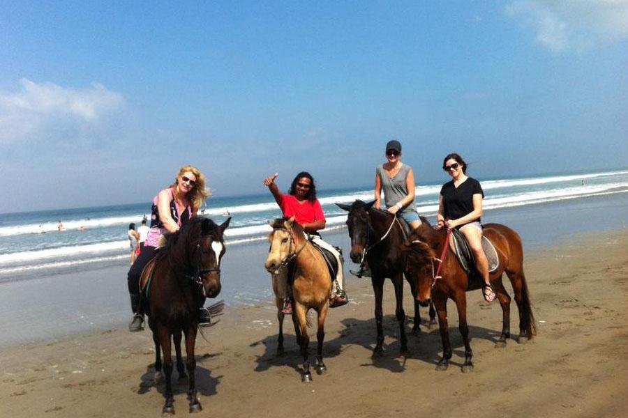 Horse Ride on Seminyak Beach Bali-05