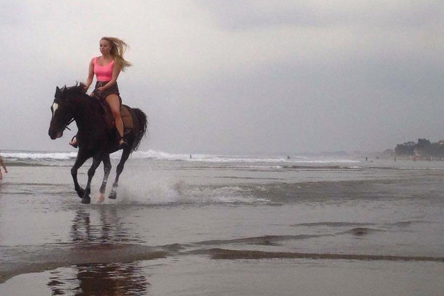 Horse Ride on Seminyak Beach Bali-06