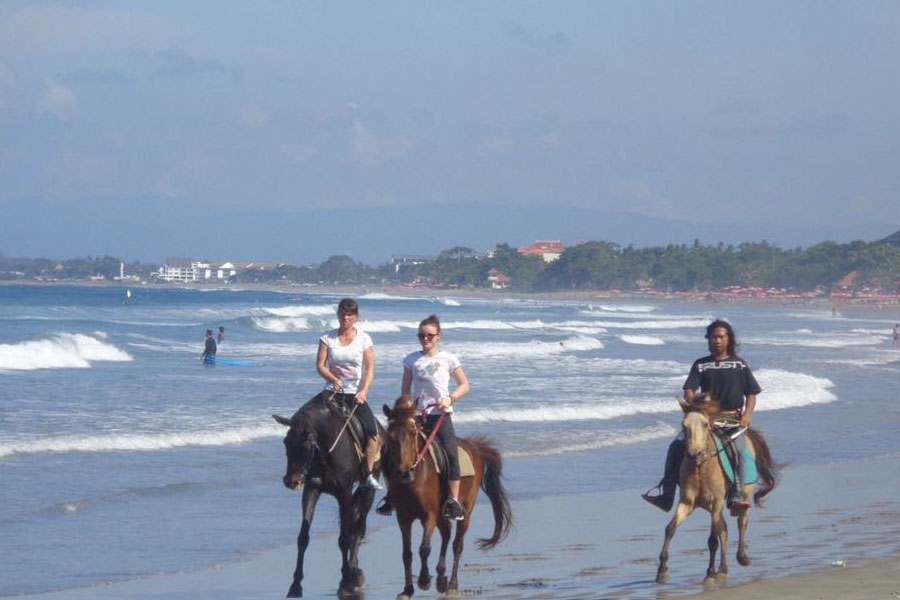 Horse Ride on Seminyak Beach Bali-07